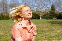 Wie kann man Haarausfall in den Wechseljahren stoppen?