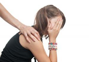 Kind oder Jugendliche mit Depression wegen Haarausfal